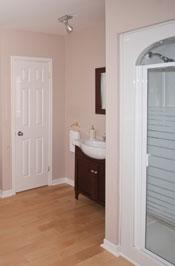 Ensuite bathroom - Room # 3