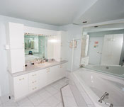 Ensuite bathroom - Room # 4