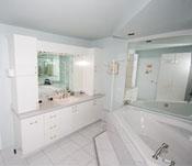 Ensuite bathroom - Room # 4